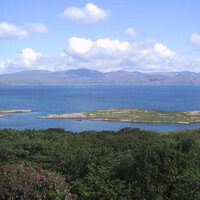 View over the Kenmare Bay to the McGillicuddy Reeks